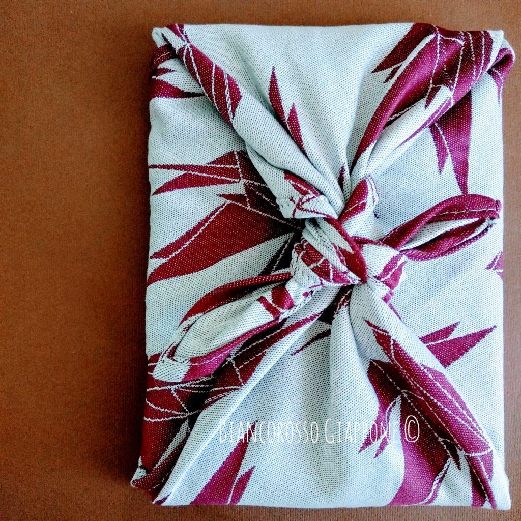 Libro e furoshiki